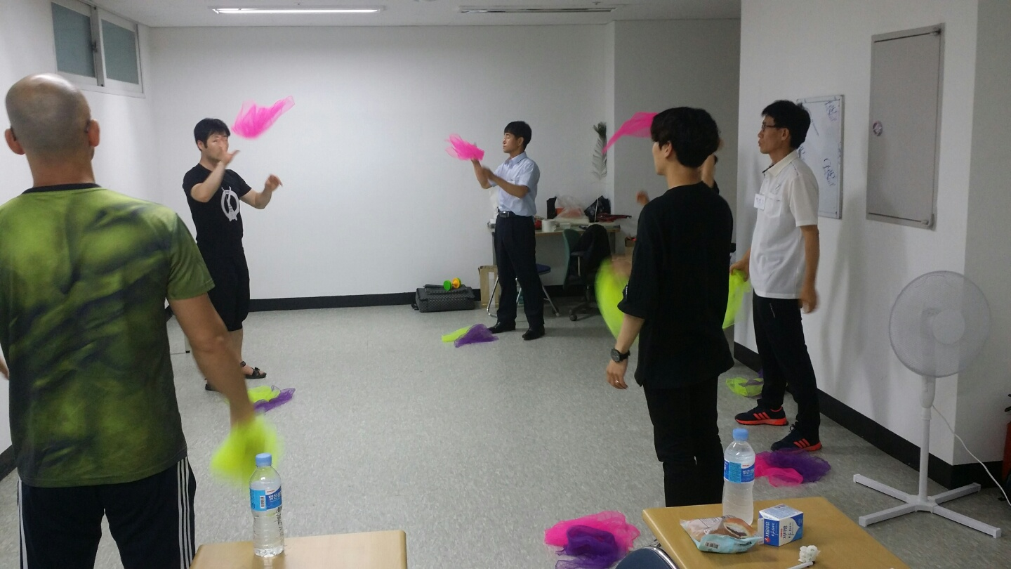 juggling_lesson_photo.jpg